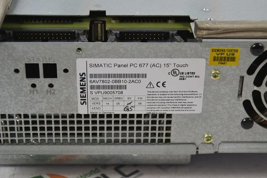 SIEMENS SIMATIC PANEL PC677 15 TOUCH 6AV7802-0BB10-2AC0