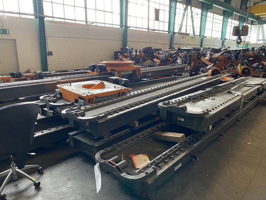 KUKA KRC2 Linear-Achse 7.Achse 10m with 1 Robot-Slots F.EE UR-ACHSE S 5002